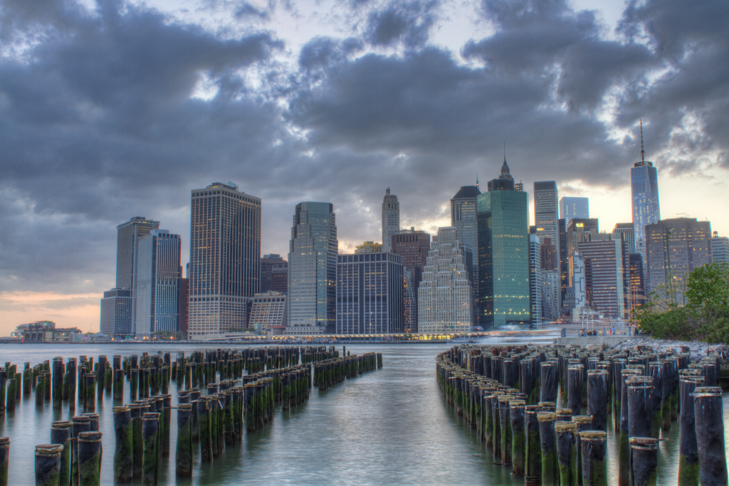 Downtown Manhattan as viewed from Brooklyn Bridge Park